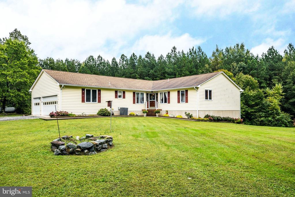 Welcome home to 6300 Marye Road! - 6300 MARYE RD, WOODFORD