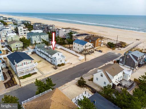 137 E MARYLAND AVE E #4 - LONG BEACH TOWNSHIP