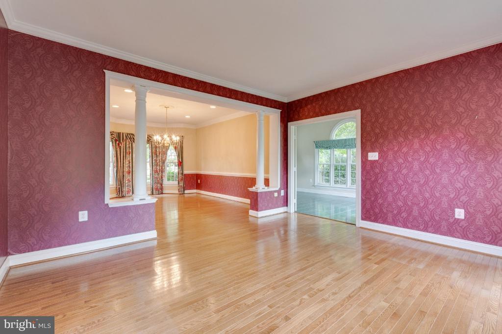 Formal living room - 501 SABER CT SE, LEESBURG
