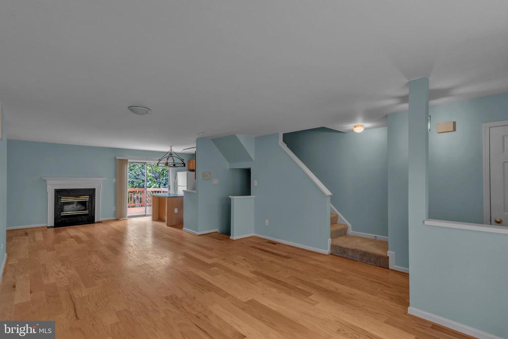 Bright Open Floor Plan! - 13536 DARTER CT, CLIFTON