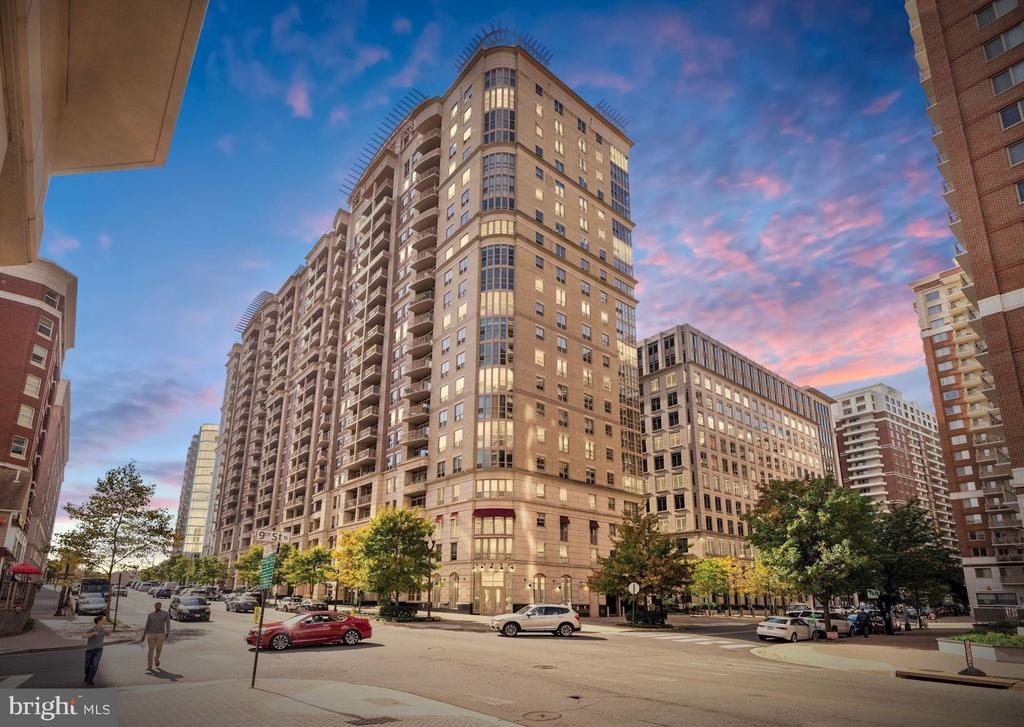 Welcome to The Residences at Liberty Center! - 888 N QUINCY ST #207, ARLINGTON