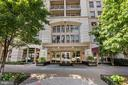 What a Grand Entrance! - 888 N QUINCY ST #207, ARLINGTON