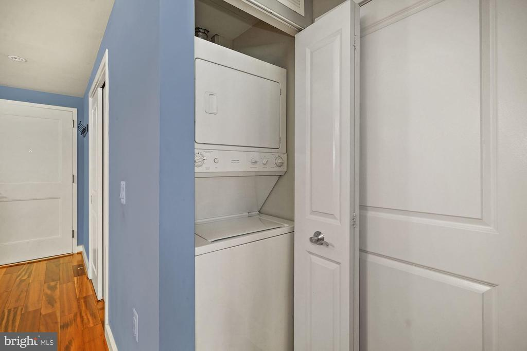 Washer & Dryer Located Inside the Condo! - 888 N QUINCY ST #207, ARLINGTON