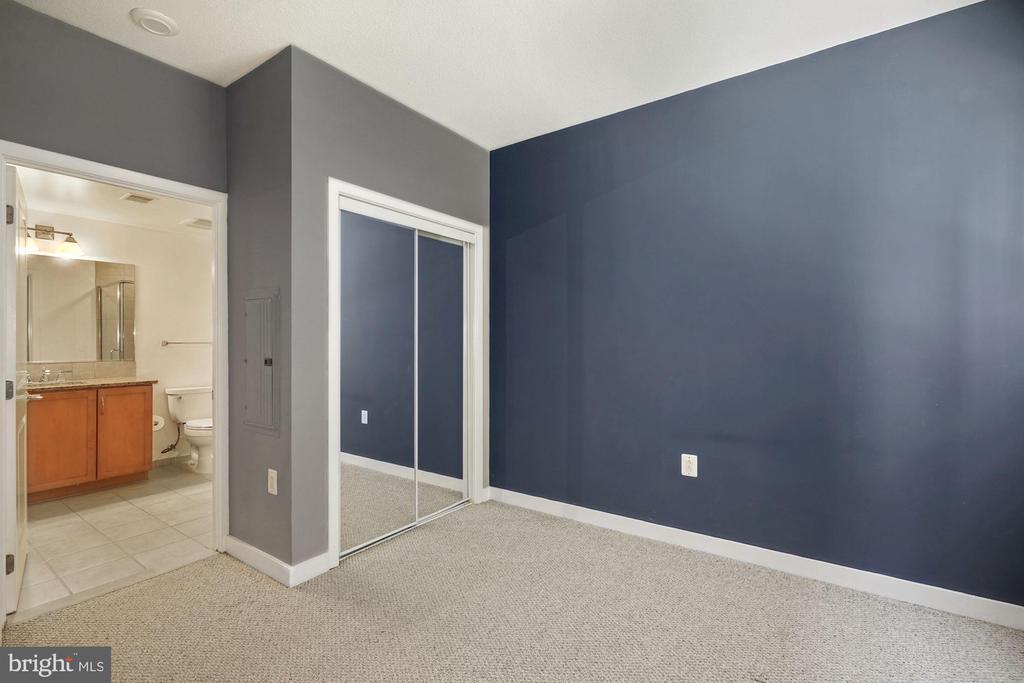 Bedroom - 888 N QUINCY ST #207, ARLINGTON