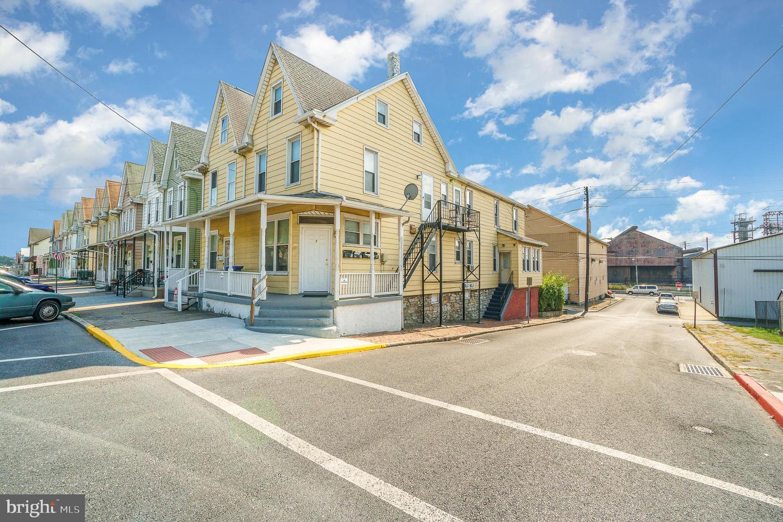 Quadraplex för Försäljning vid Steelton, Pennsylvania 17113 Förenta staterna