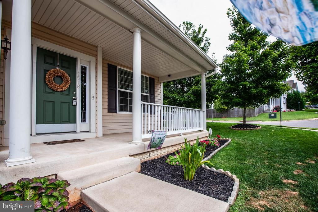 Charming Front porch - 1916 MEADOW LARK DR, CULPEPER