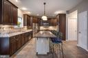 Gourmet kitchen granite, SS appliances - 5 JAMESTOWN CT, STAFFORD