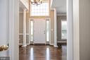Main two level open foyer with Palladium windows - 5 JAMESTOWN CT, STAFFORD