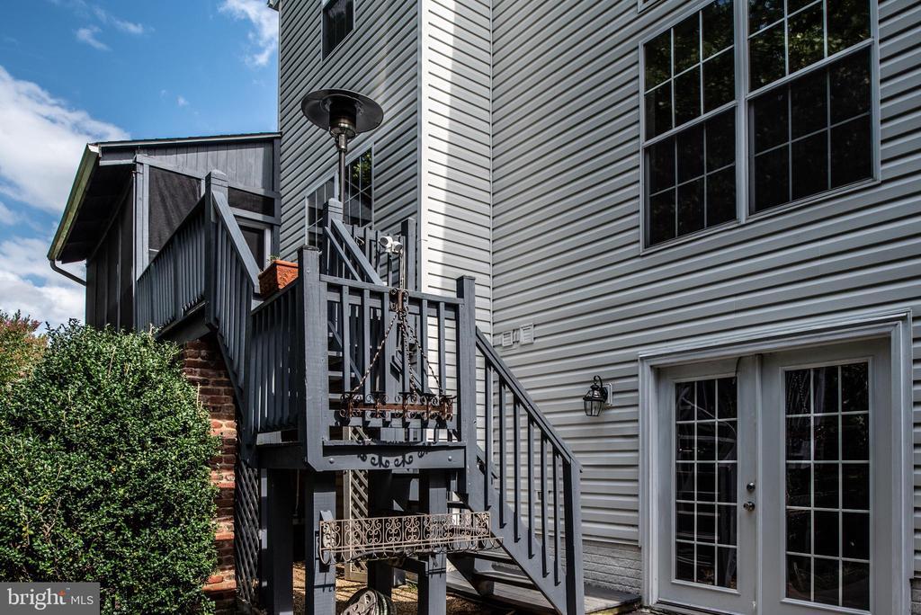 Deck & screened porch view - 5 JAMESTOWN CT, STAFFORD