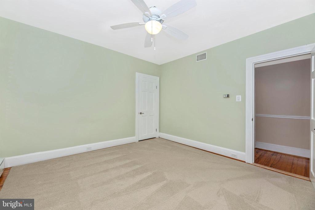 3rd Floor Apartment-Bedroom 1 - 316 W COLLEGE TER, FREDERICK