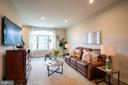 Living room with a gorgeous, upgraded window - 9903 NEW POINTE DR, UPPER MARLBORO