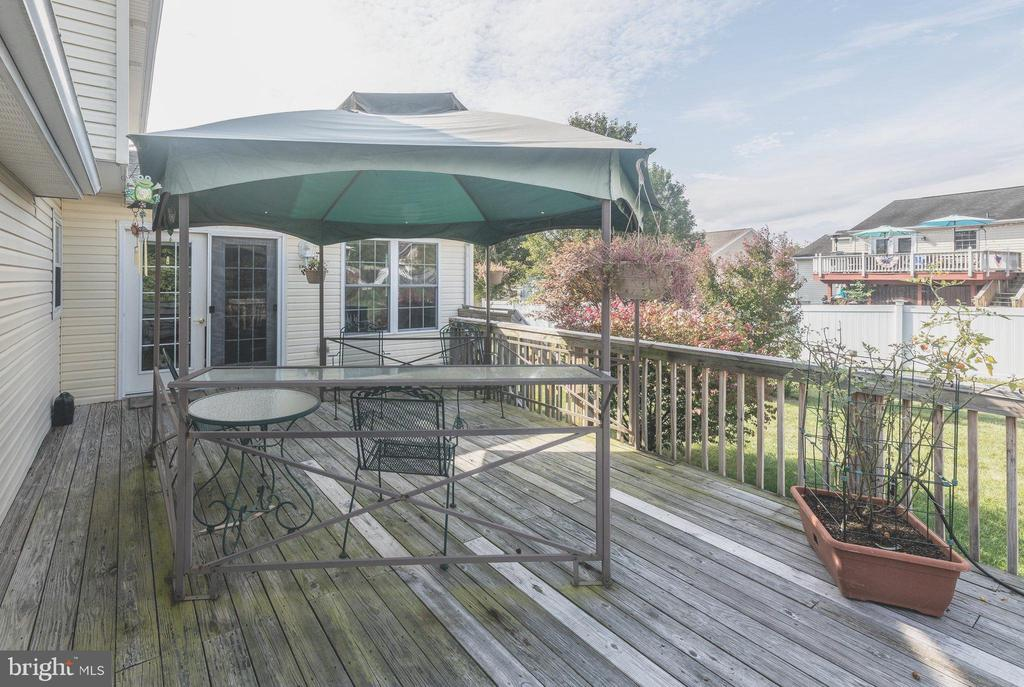Deck with Gazebo - 7 MILL FORGE CT, THURMONT