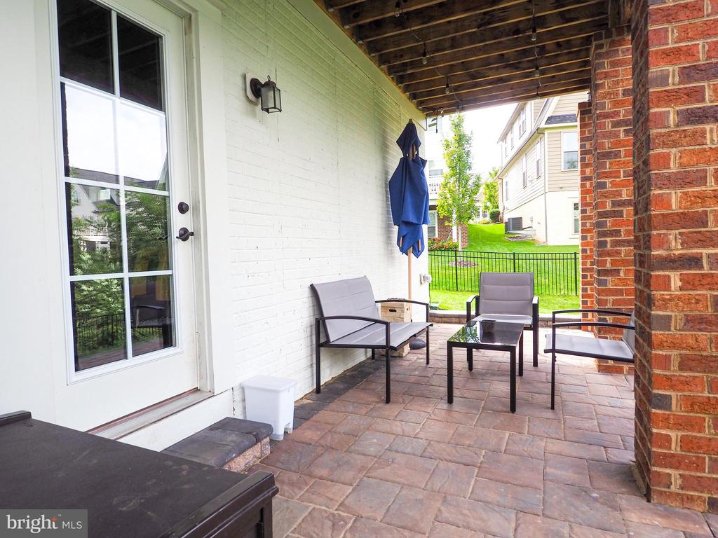 Covered Paver Rear Patio - 2480 POTOMAC RIVER BLVD, DUMFRIES