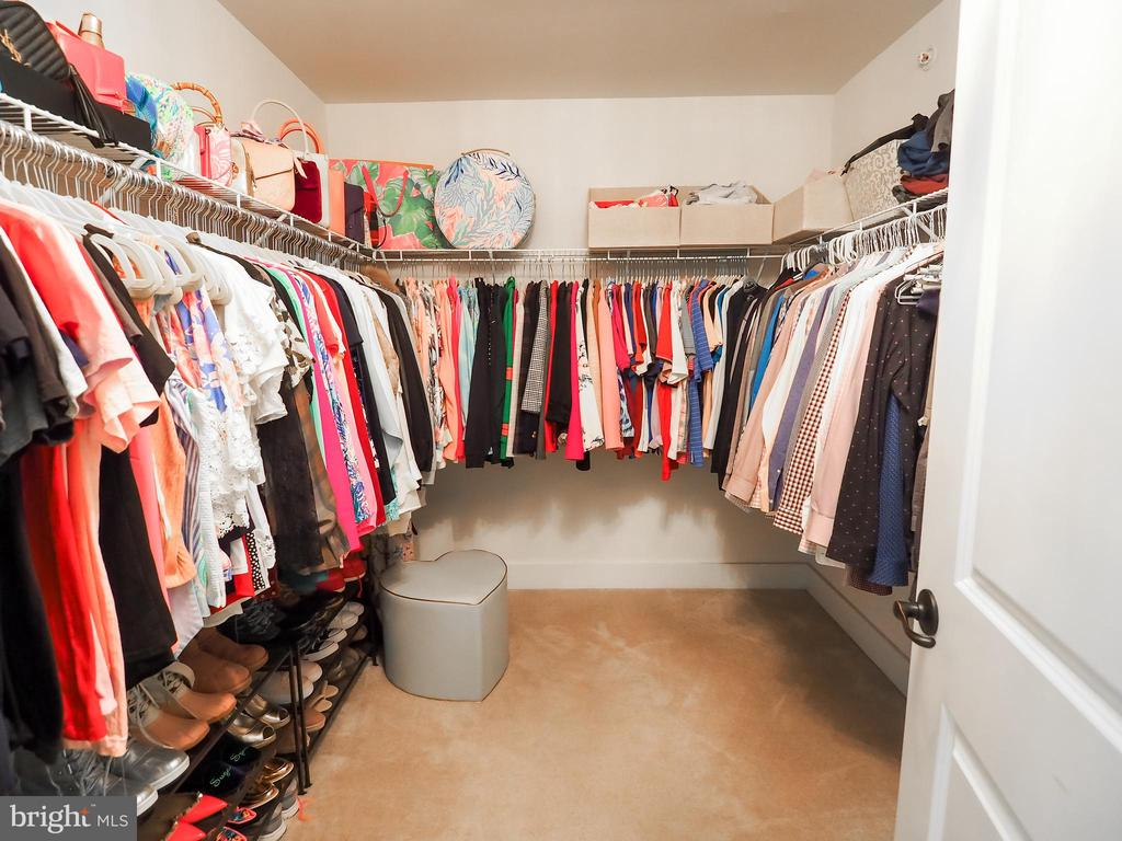 Large walk-in closet - 2480 POTOMAC RIVER BLVD, DUMFRIES