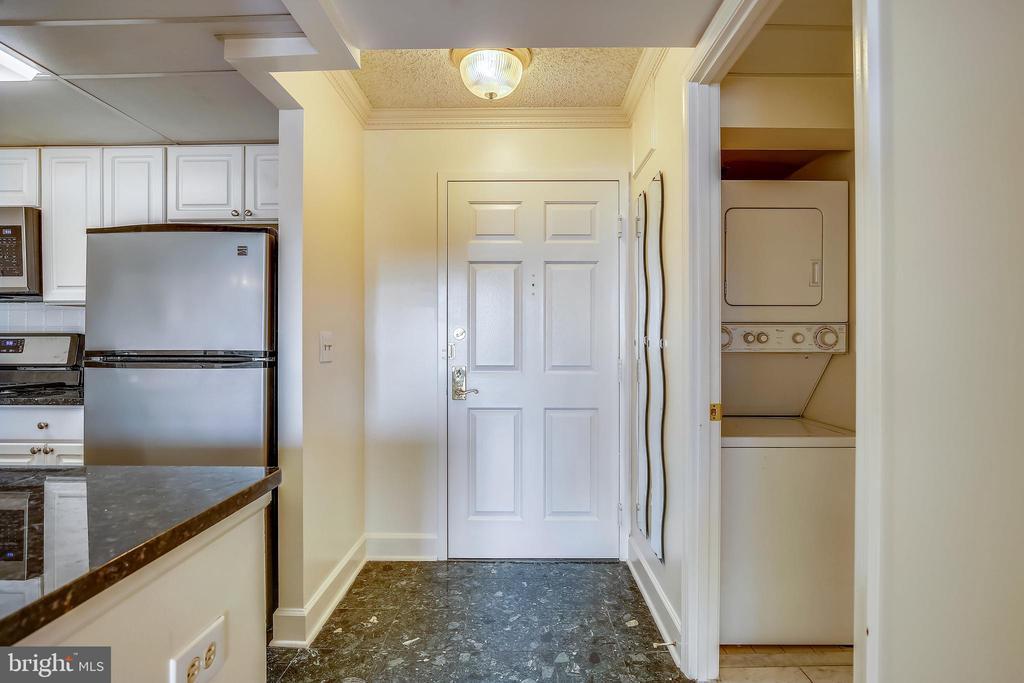 Entrance to the home - 1276 N WAYNE ST #805, ARLINGTON