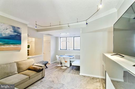 1080 WISCONSIN AVE NW #1019