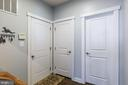 Mud room with welcome station - 16928 TAKEAWAY LN, DUMFRIES
