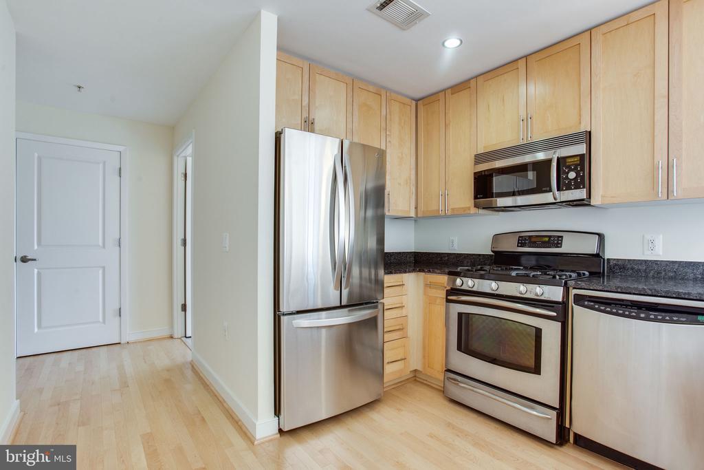 Open kitchen - 820 N POLLARD ST #504, ARLINGTON