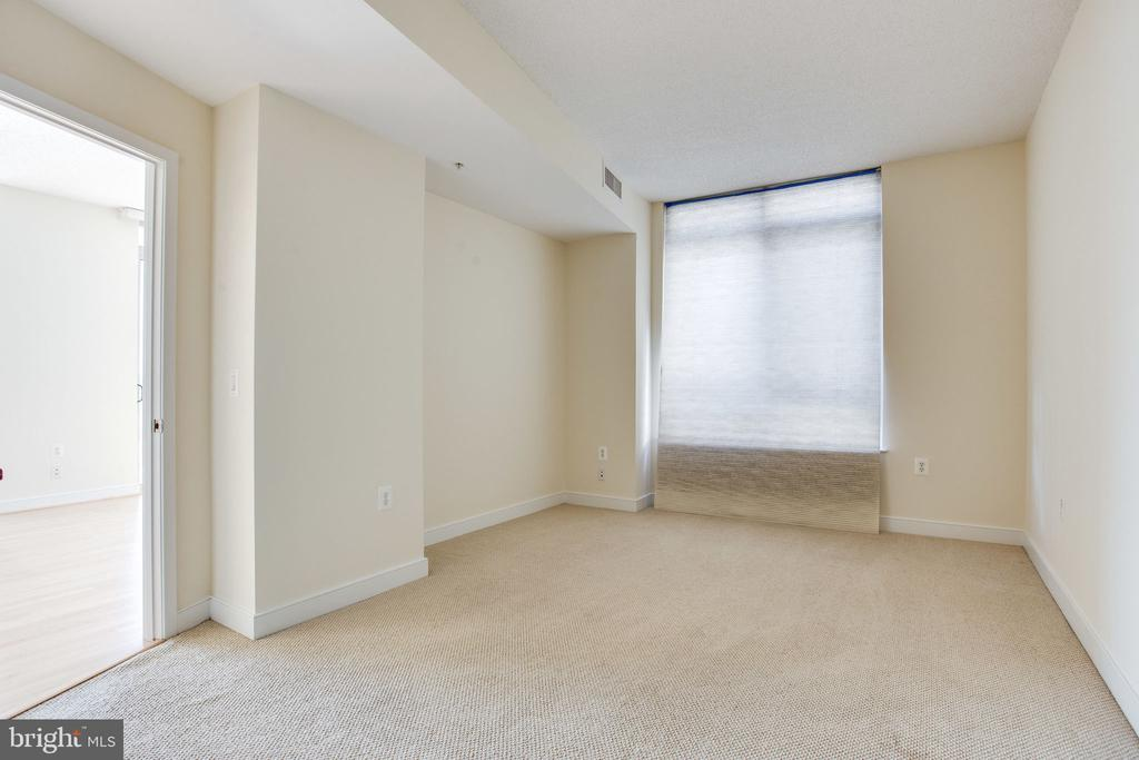 2nd bedroom - 820 N POLLARD ST #504, ARLINGTON