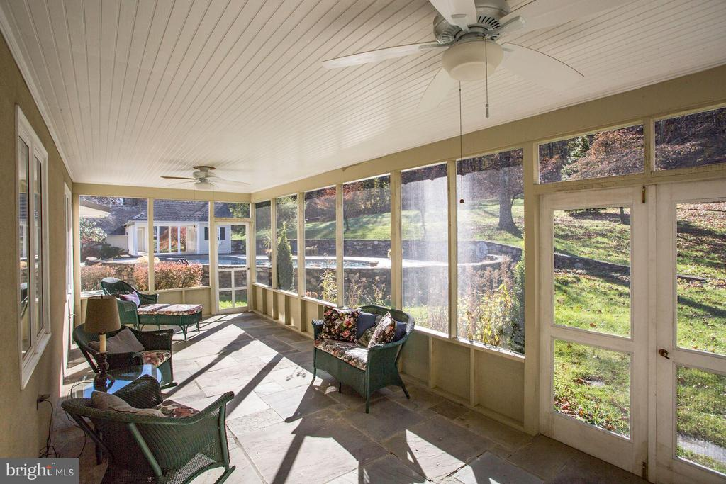 Screened porch - 8730 FOX GAP RD, MIDDLETOWN