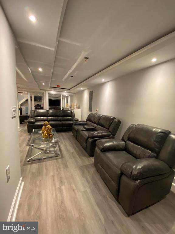 Third living room in basement - 15105 MCKNEW RD, BURTONSVILLE
