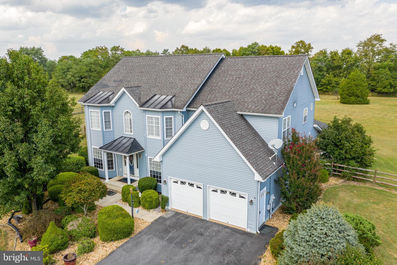 Single Family Homes pour l Vente à Kearneysville, Virginie-Occidentale 25430 États-Unis