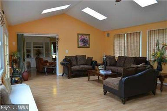 Sun Room Extension - 1118 SUGAR MAPLE LN, HERNDON