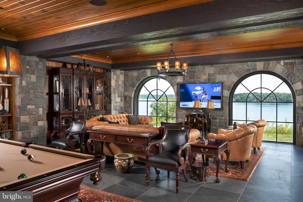 Gaming room looks over the Potomac - 7979 E BOULEVARD DR, ALEXANDRIA