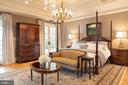 Master suite with private terrace - 7979 E BOULEVARD DR, ALEXANDRIA