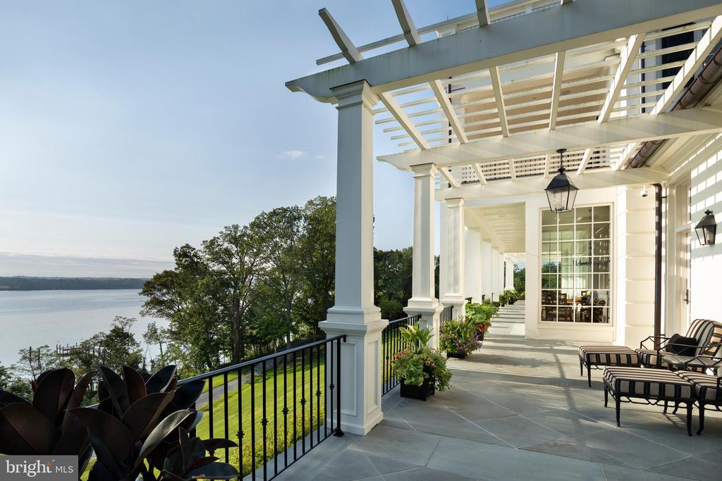 One of many terraces overlooking the Potomac river - 7979 E BOULEVARD DR, ALEXANDRIA