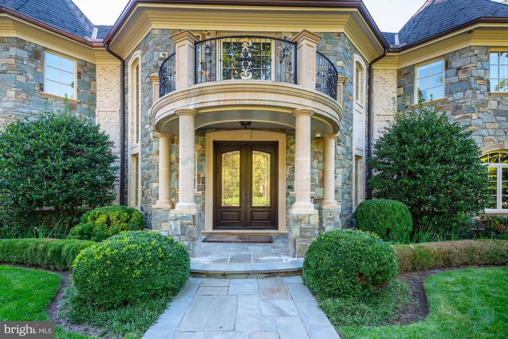 Entrance - 7853 LANGLEY RIDGE RD, MCLEAN