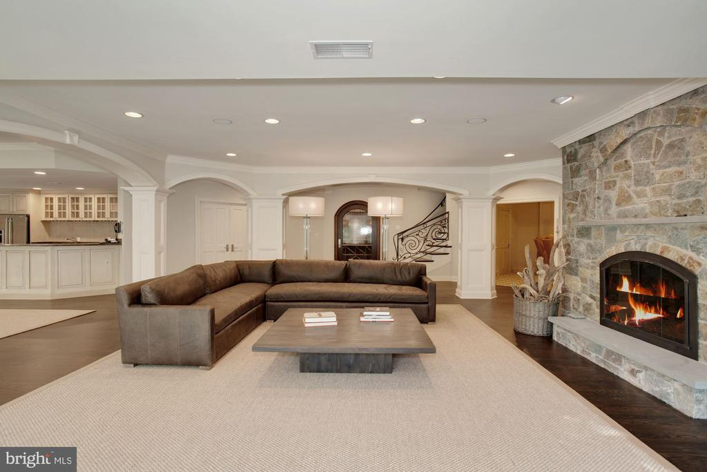 Recreation Room - 7853 LANGLEY RIDGE RD, MCLEAN