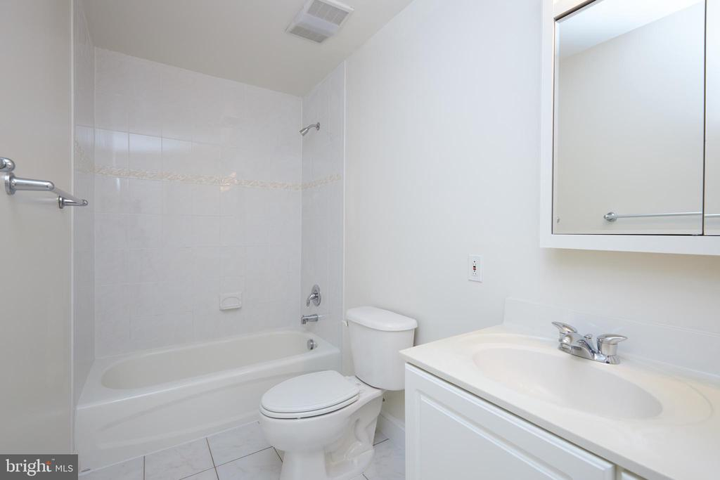 Upstairs Hall Full Bathroom - 5517 SOUTHWICK ST, BETHESDA