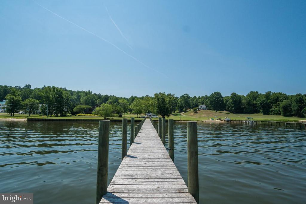Live on the Water! - 2619 LYNN ALLEN RD, KING GEORGE