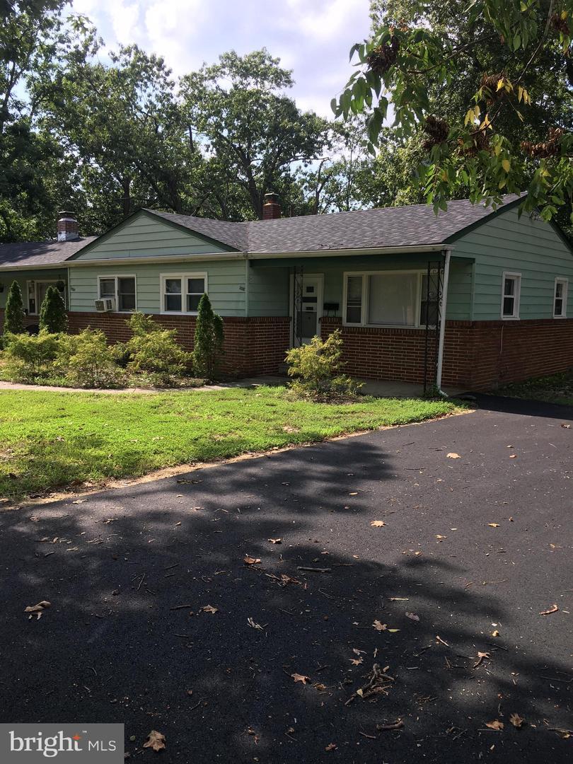 Duplex Homes pour l Vente à Pine Hill, New Jersey 08021 États-Unis