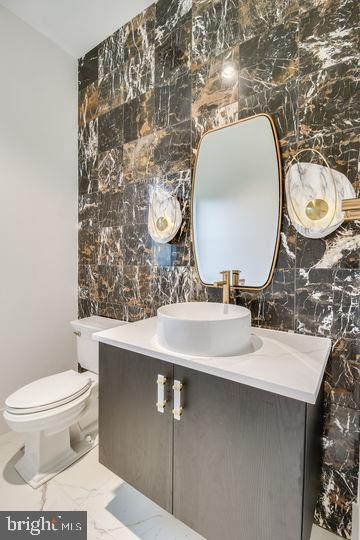 Powder Room - 11705 VALLEY RD, FAIRFAX