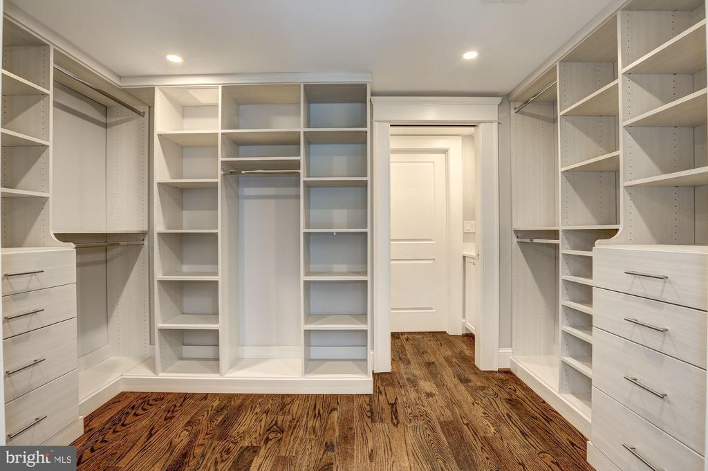 Large Walk-In Closet - 216 8TH ST NE #B, WASHINGTON