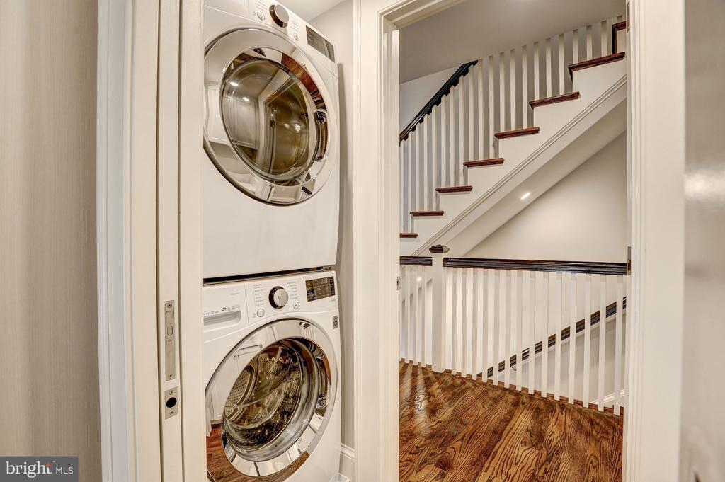 Washer and Dryer - 216 8TH ST NE #B, WASHINGTON