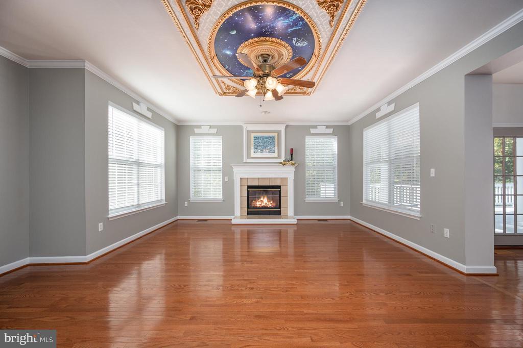 Family Room with Gas Fireplace - 11404 ATTINGHAM CT, MANASSAS
