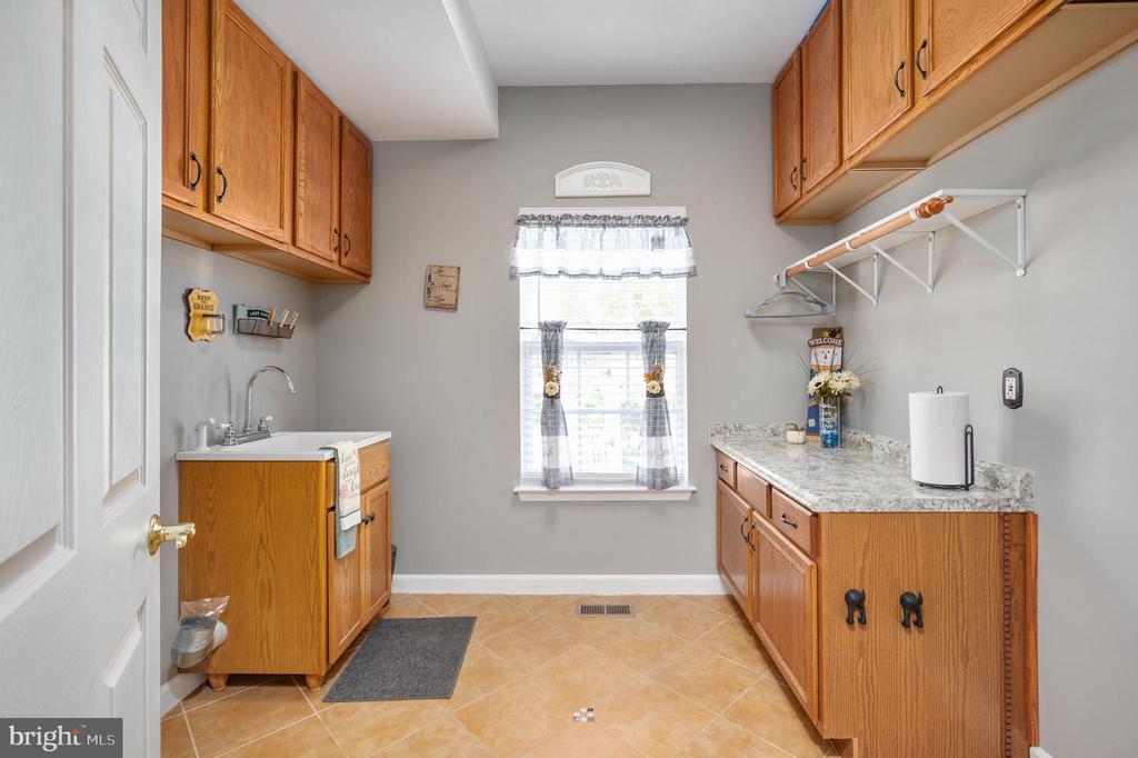 Laundry Room - 11404 ATTINGHAM CT, MANASSAS