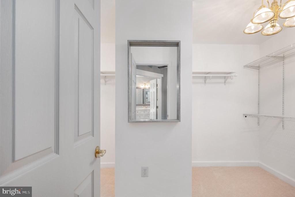 Primary Bedroom Walk-in Closet - 11404 ATTINGHAM CT, MANASSAS