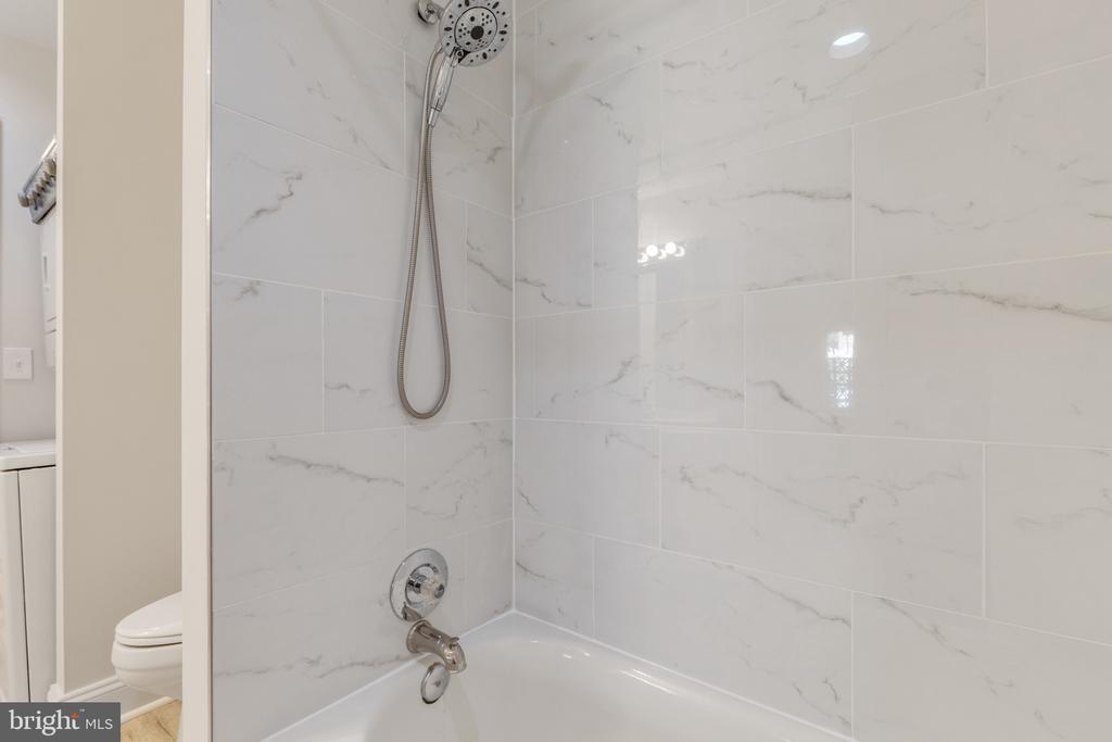 New tile on the tub/shower - 1050 N STUART ST #126, ARLINGTON