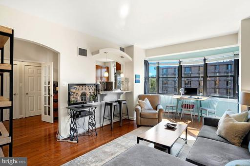 2515 K ST NW #704