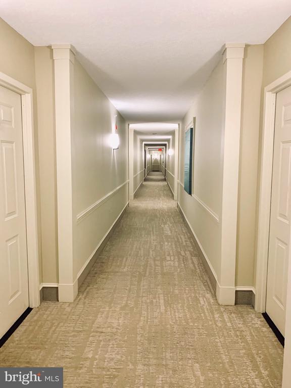 Luxury living at it's best - 11800 SUNSET HILLS RD #311, RESTON