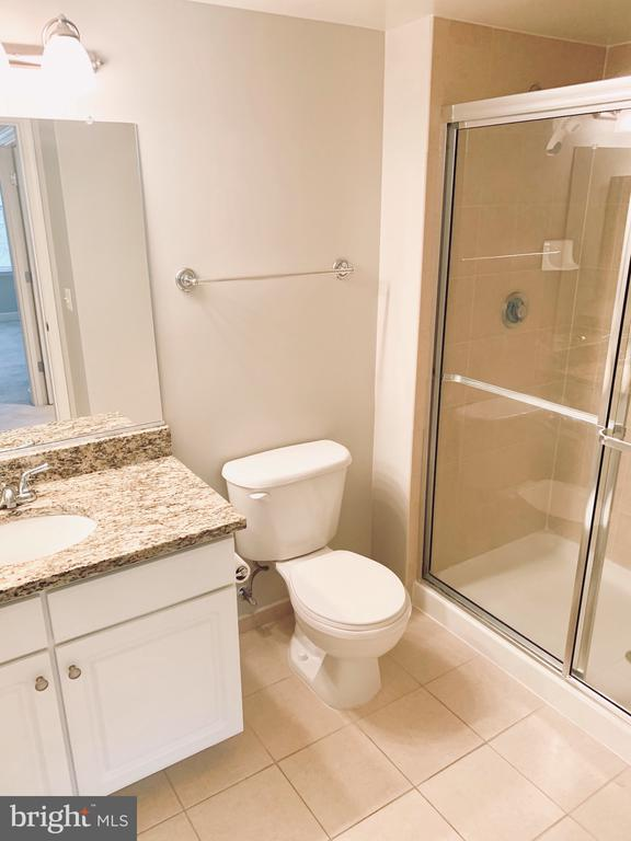 bath 1 - 11800 SUNSET HILLS RD #311, RESTON
