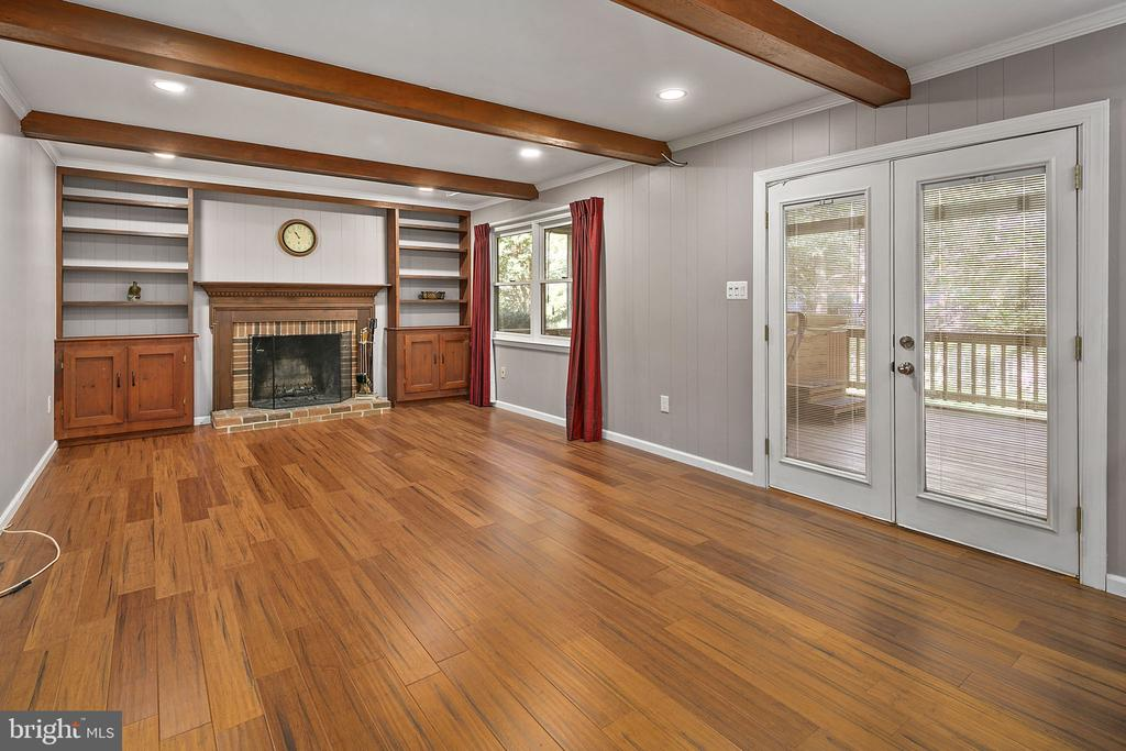 Wood Burning Fireplace. Doors to Screened Porch - 13124 TUCKAWAY DR, HERNDON