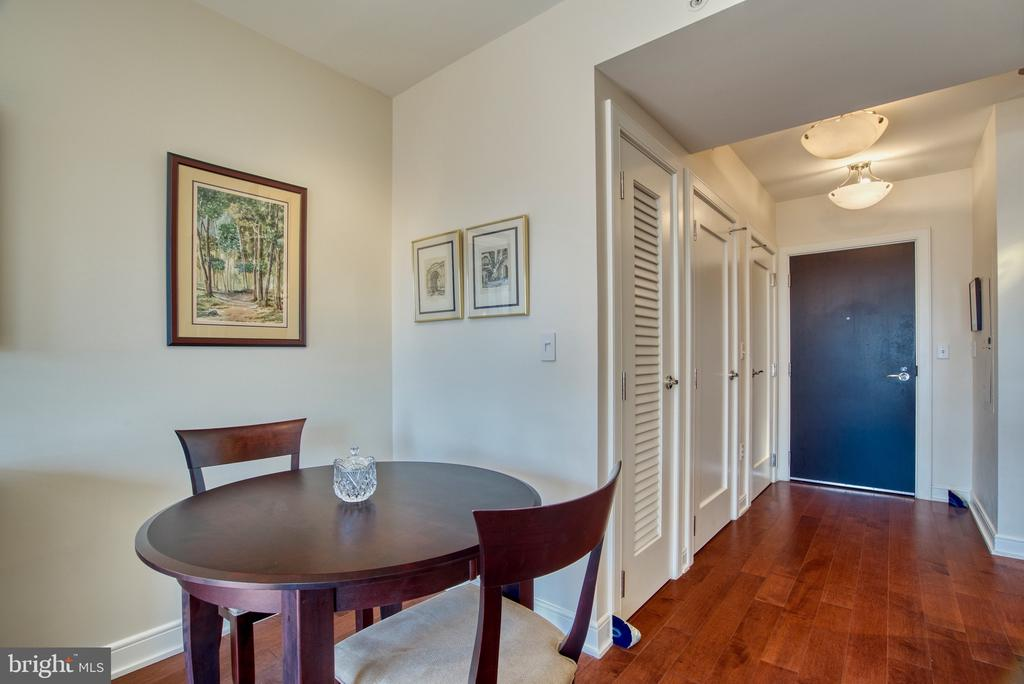Great layout for small table - 1111 19TH ST N #1805, ARLINGTON