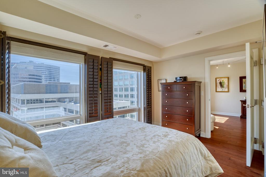 Floor to ceiling windows - 1111 19TH ST N #1805, ARLINGTON