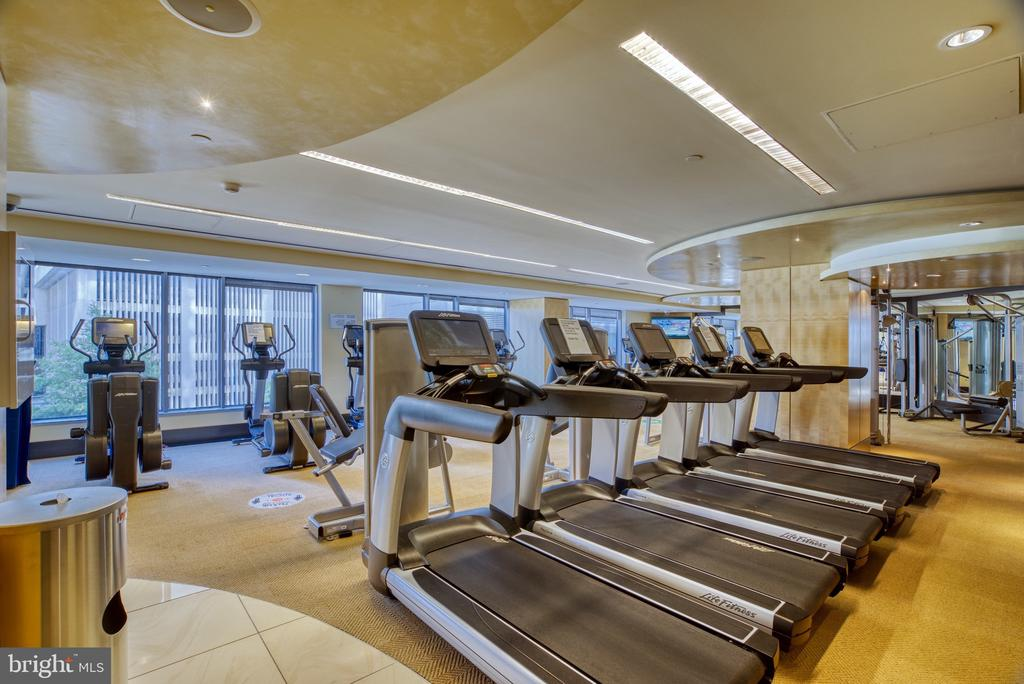 Zoom-stressed?   How about a mid day work out? - 1111 19TH ST N #1805, ARLINGTON