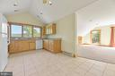 Two Bedroom Apartment with Laundry & Deck - 12904 & 12898 SAGLE RD, HILLSBORO